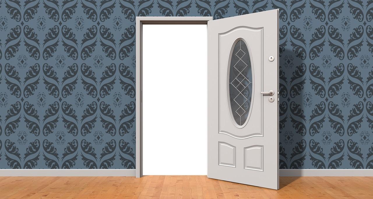 A qui s'adresser pour le devis complet de l'achat d'une porte en PVC ?